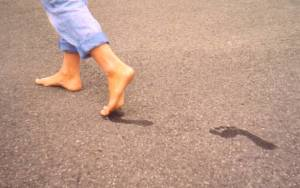 """Healthy feet"" by Original uploader was Lorenz kerscher at en.wikipedia - Originally from en.wikipedia; description page is/was here.. Licensed under Creative Commons Attribution-Share Alike 3.0 via Wikimedia Commons - http://commons.wikimedia.org/wiki/File:Healthy_feet.JPG#mediaviewer/File:Healthy_feet.JPG"