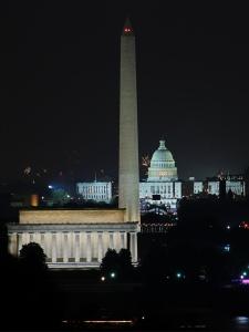 Washington_DC_at_night
