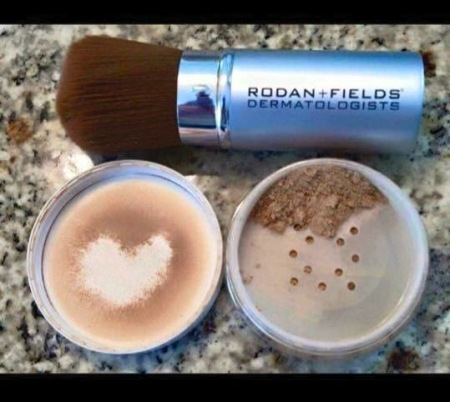R + F ENHANCEMENTS Peptide Powder SPF 20